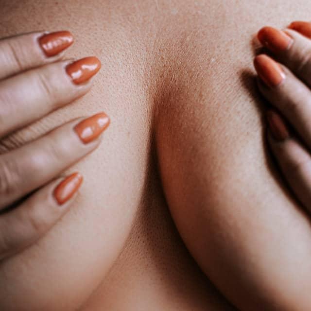 aumento natural de senos con grasa